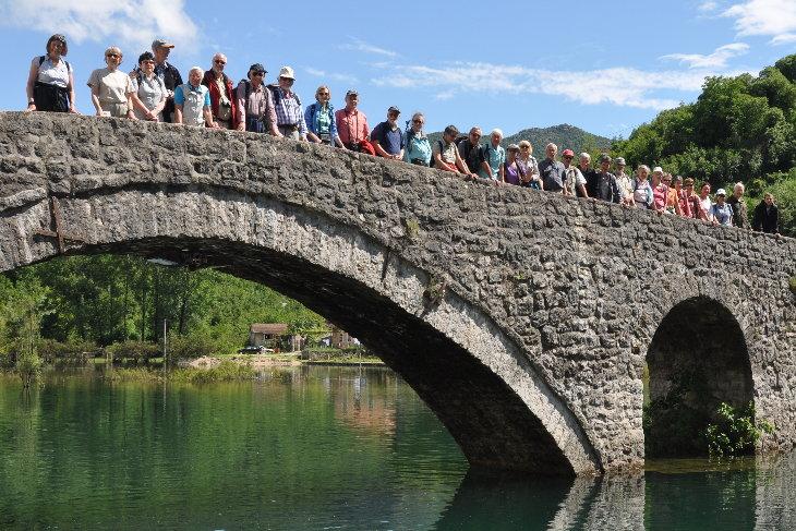 Brücke in Rijeka Crnojevica