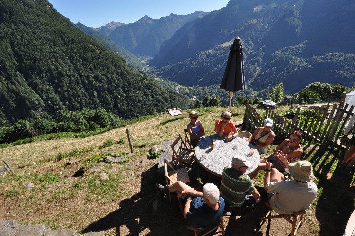Blick auf Versascatal von Alpe Co der Preda