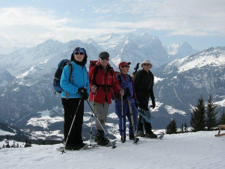 bei Käserstatt mit Sicht auf Wetterhorn, Mönch und Eiger