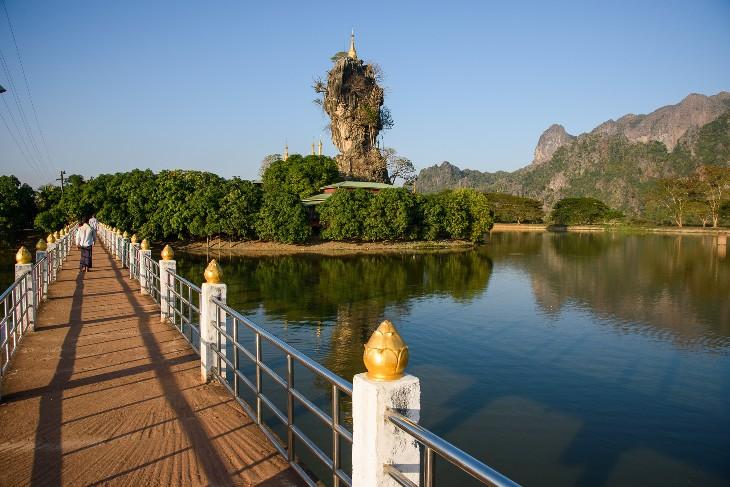 Kyauk Kha Lat island monastery